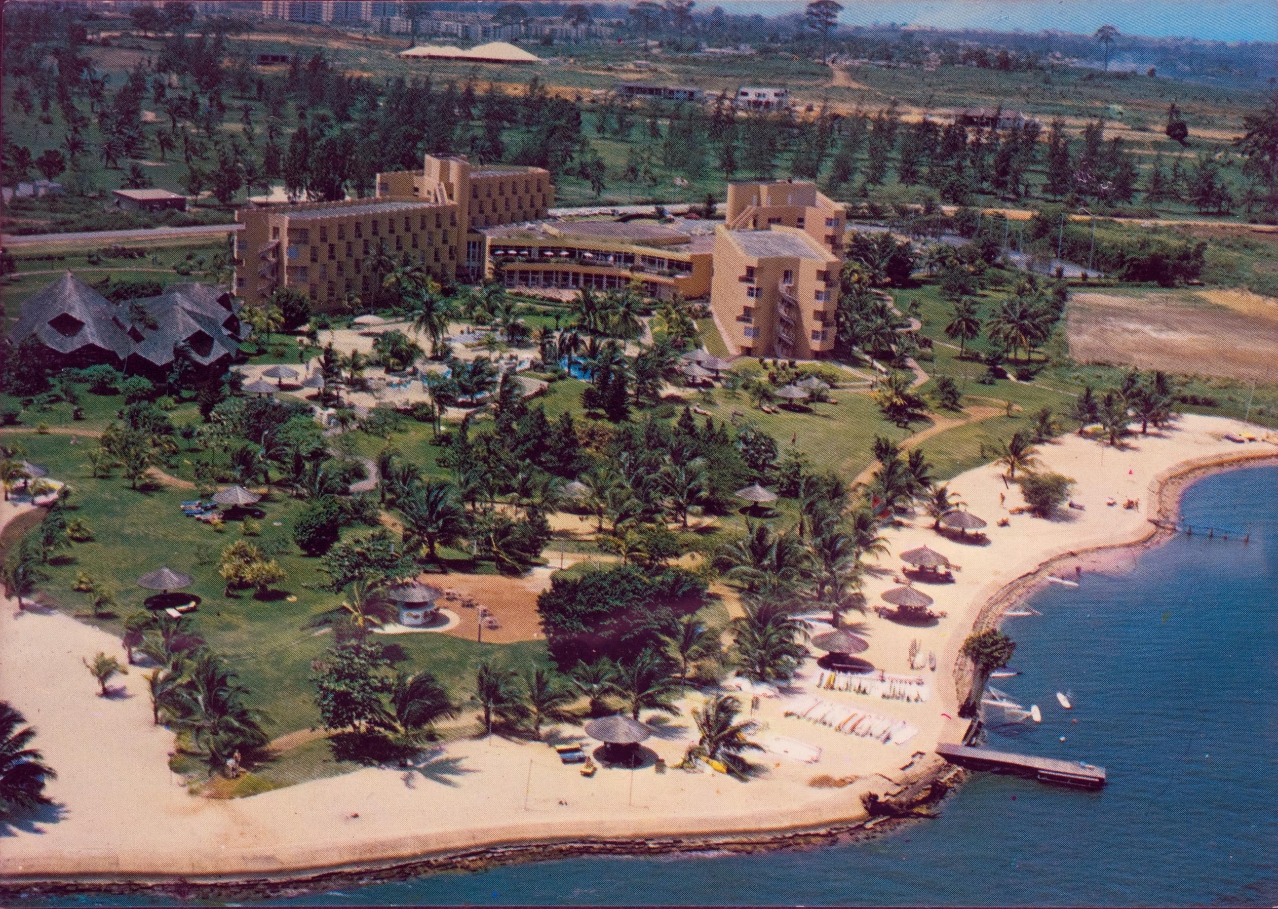 הרווירה האפריקאית- מלון גולף אבידג'אן על שפת הלגונה -LR
